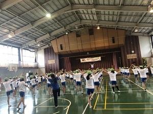 6学年部リズムダンス2.JPG