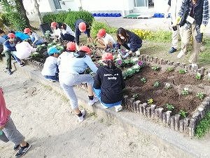 西小花いっぱい運動2.JPG