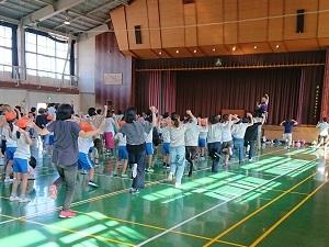 親子でヒップホップダンス2.JPG